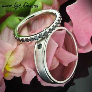 Обручальные кольца с черными бриллиантами, Кольцо с черным бриллиантом