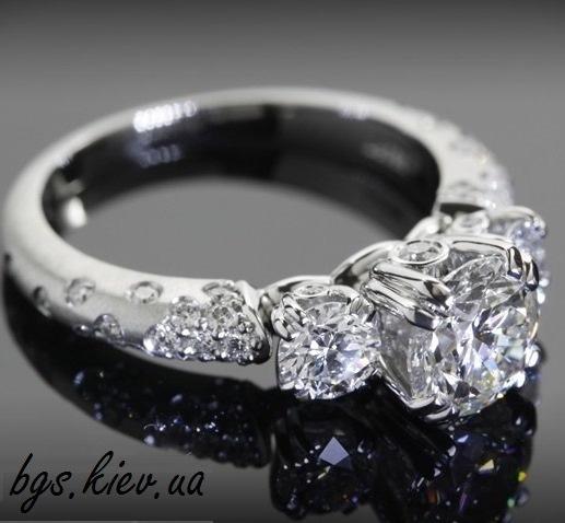Золотое кольцо «Великолепие бриллианта»