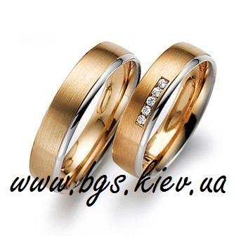 Золотые кольца с белыми сапфирами «Легенда»