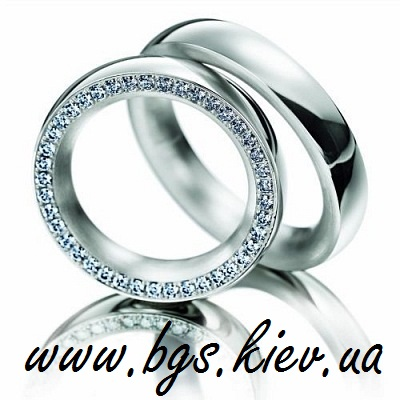 Обручальное кольцо белое золото бриллианты