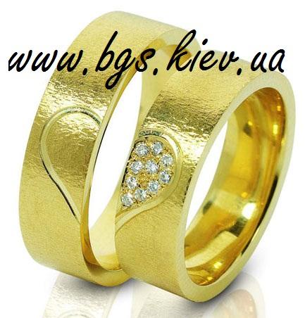 Венчальные кольца в желтом золоте «Сердца любви»