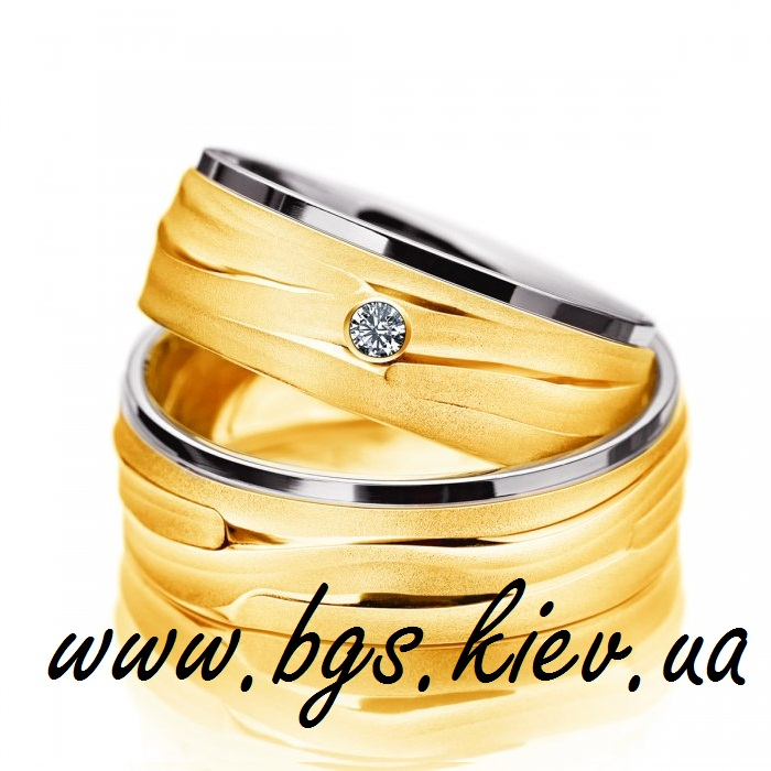 Широкие обручальные кольца из желтого и белого золота &