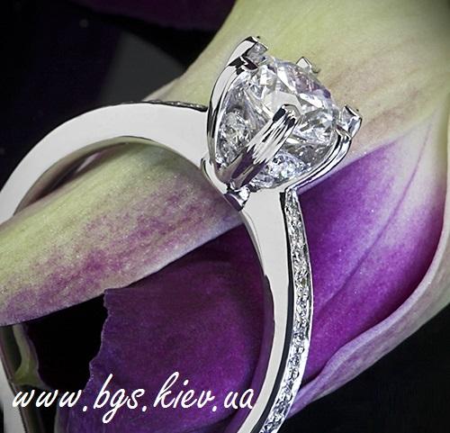 Помолвочное кольцо белое золота