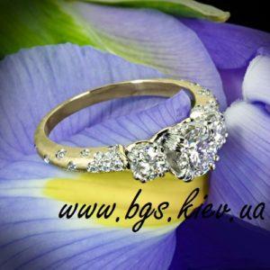 Помолвочное кольцо из золота