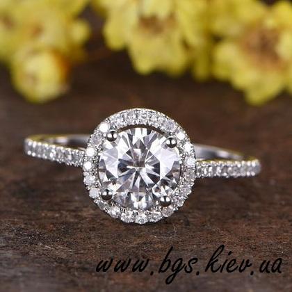 помолвочное кольцо с драгоценным камнем