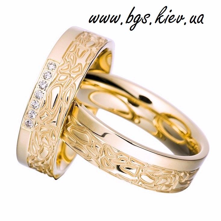 Обручальные кольца из желтого золота с узором «Сонник»