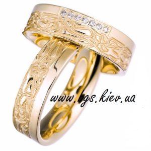 Обручальные кольца из желтого золота с узором