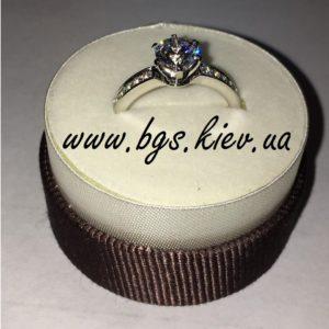 Помолвочное кольцо Tиффани в белом золоте с центральным камнем 1 карат