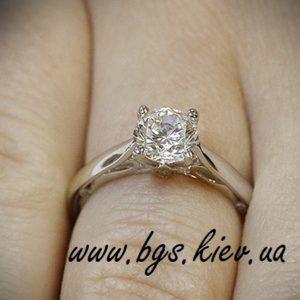 помолвочные кольца на заказ «Бриллиантовая весна» из белого золота