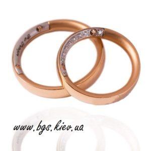 Обручальные кольца из комбинированного золота «Тайна» с гравировкой и винтиками