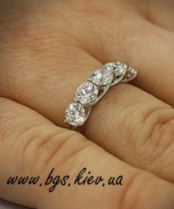 Помолвочное кольцо с бриллиантами «Бриллиантовый букет»