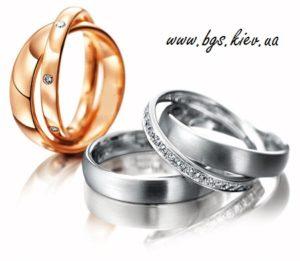 Женское обручальное кольцо из белого золота «Сатурн - кольца любви» состоит из дух колец