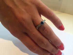Помолвочные кольца с сапфирами, кольцо с сапфиром, помолвочное кольцо с сапфиром, кольцо в белом золоте