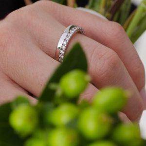 эксклюзивные свадебные кольца из белого золота