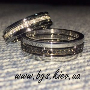 кольца с черными и белыми бриллиантами