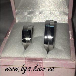 кольца с комбинированной текстурой матовые и глянцевые