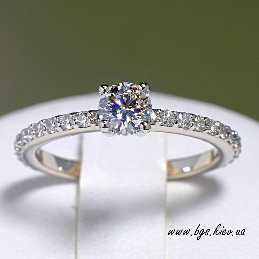 Золотое кольцо с бриллиантом Tiffany
